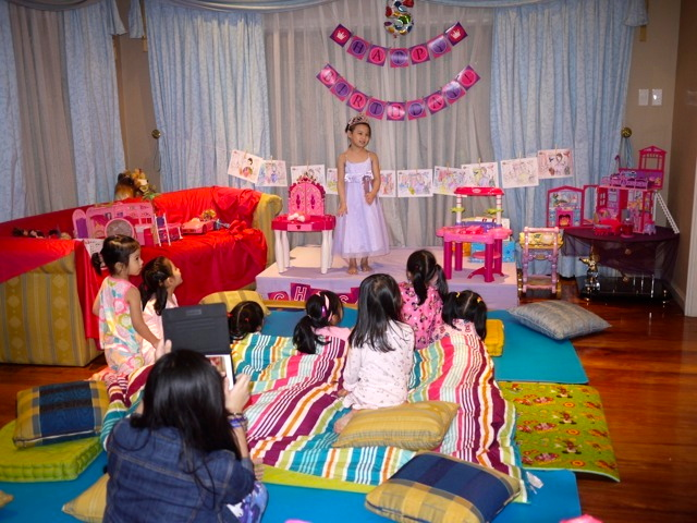 After the movie, the kids came out to watch the celebrant perform two of the Sofia the first songs.